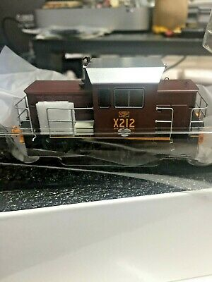 AU190 • Buy IDR HO STATE RAIL AUTHORITY X CLASS 212 Indian Red