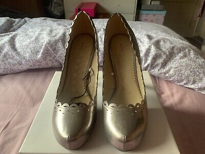 Pewter Jasper Conrad Shoes Size 4 New • 15£