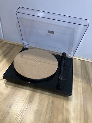 AU219 • Buy Pro-Ject Debut Carbon Turntable Record Player With Audio Tecnica Cartridge