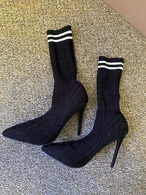 UK Size 8 KNITTED COURT HEELED SOCK BOOTS • 6£