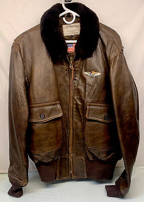 $250 • Buy Vintage Military WW2 Air Force BOMBER JACKET With Fur And Original Wings Pin XL
