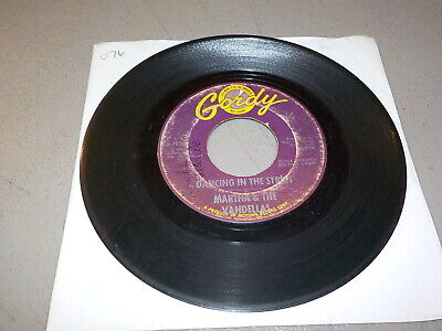 MARTHA AND THE VANDELLAS    There He Is    Vinyl 45 RPM Record RE8096 • 3.61£