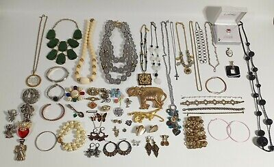$ CDN18.92 • Buy Lot Of Vintage And Modern Costume Fashion Jewelry Necklaces Brooches Bracelets