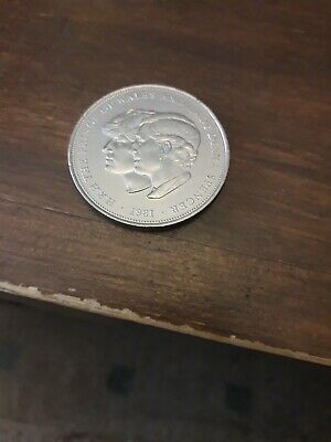 1981 Crown Coin The Royal Wedding Of Prince Charles & Lady Diana Spencer 1981 • 1£