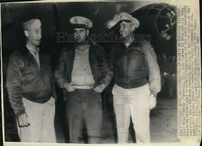 $ CDN25.20 • Buy 1945 Press Photo WWII Pilots Emmet O'Donnell, Curtis Le May & Barney Giles In IL