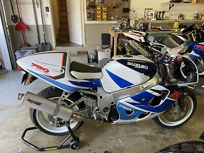$295 • Buy Erion Racing Slip On 05 06 GSXR 1000 Mid Pipe Like NEW 2005 2006