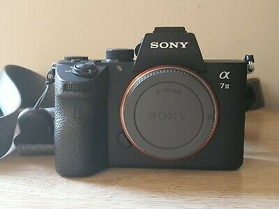 AU2200 • Buy Sony Alpha A7iii Mirrorless Camera With Peak Design Strap. Excellent Condition