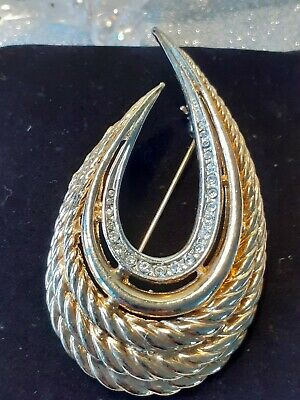 Gold And Silvertone Horse Shoe Brooch • 4.20£