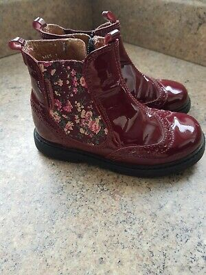 £8 • Buy Girls Patent Chelsea Boots Startrite