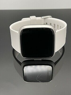 $ CDN72.79 • Buy White Fitbit Versa Lite Edition - Fitness Smartwatch Sz S / L No Charger Or Box