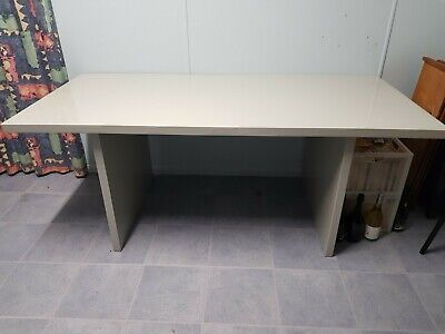 AU150 • Buy Freedom Furniture Dining Room Table Very Solid, Seats 6 People (table Only)
