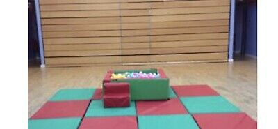 £325 • Buy Ballpond With Thousands Of Balls , With Foam Sides And Step .(with 4 Mats Only)