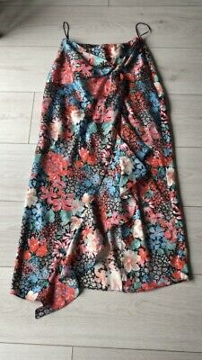 £10 • Buy River Island Size 6 Floral Skirt
