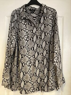 £7 • Buy New Look Plus Curves Snakeskin Shirt Blouse Size 20