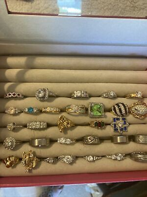 $ CDN37.76 • Buy Vintage Or Costume Jewelry Ring Lot 30 Rings Various Sizes W Box