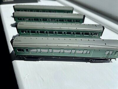 £78 • Buy Dapol N Gauge Coaches. Maunsell Coaches BR Green