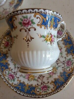 £19 • Buy 2 Queens Rosina China Co. Ltd. Kenilworth Fine Bone China Cup And Saucers