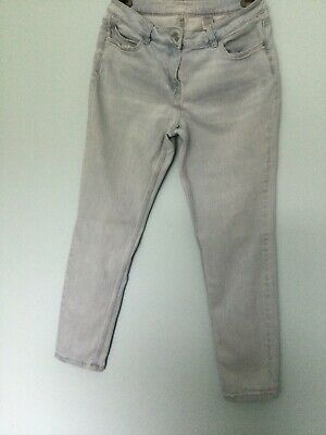 £4 • Buy Womans Next Relaxed Skinny Jeans Size 14 Regular