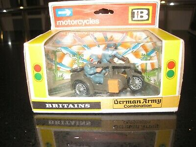 £29 • Buy Britains Toy Soldiers. Boxed German Army Combination
