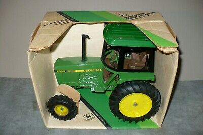 AU34.99 • Buy 1/16 2550 JOHN DEERE Toy Tractor With MFWD, COLLECTOR SERIES Ertl