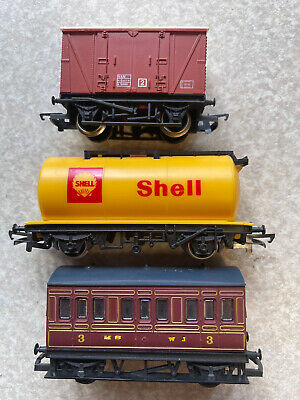 £1.20 • Buy 3 X Hornby Oo Gauge Wagons ( Van And Tank) And Coach For Model Railway Layout