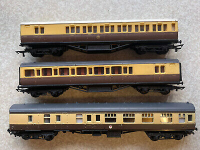 £10 • Buy 3 Lima And Graham Farish Oo Gauge Gwr Chocolate And Cream Mixed Coaches