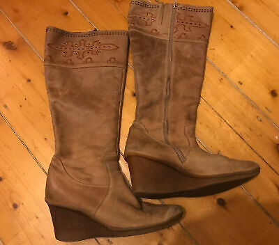 £5.99 • Buy Ladies Nubuck Leather Size 7 Wedged Tan Clark's Boots
