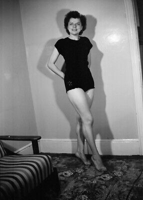 £2.88 • Buy Vintage PINUP Negative 1950s SEXY HOUSEWIFE
