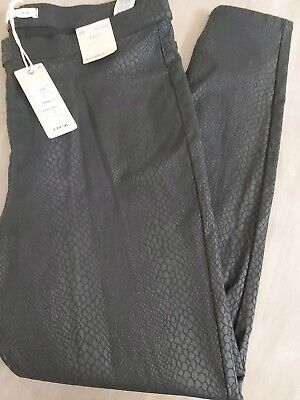 £12 • Buy Marks And Spencers Jeggings Stretch Thick Fabric Size 20 Black Snake Print