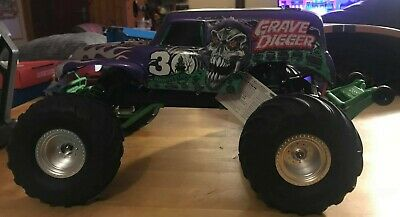 £350 • Buy Traxxas Grave Digger 30th Anniversary Edition RC Monster Truck Monster Jam 1/10
