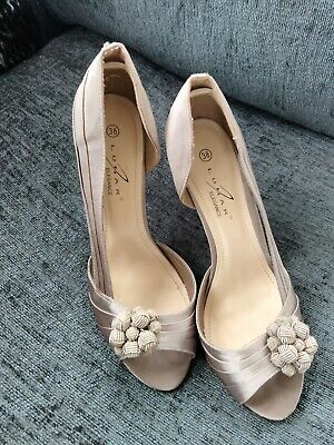 £1.70 • Buy Rose Bud Taupe Shoes Size 5