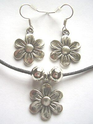 Daisy Flower Silver Coloured Pendant Black Cotton Cord Necklace & Earrings Set • 3.49£