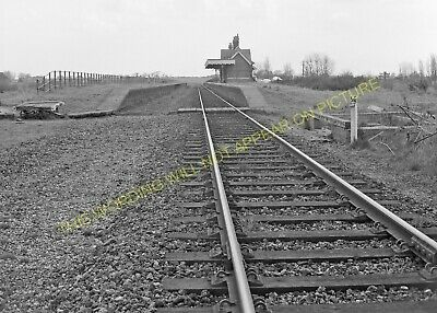 Hopton-on-Sea Railway Station Photo. Corton - Gorleston. Great Yarmouth Line (5) • 3.50£