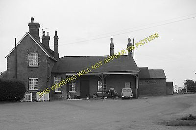 Snettisham Railway Station Photo. Dersingham - Heacham. Hunstanton Line. (8) • 3.50£
