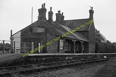 Snettisham Railway Station Photo. Dersingham - Heacham. Hunstanton Line. (9) • 3.50£