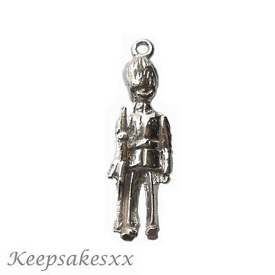 Sterling Silver GUARDSMAN - British Soldier Army UK 925 3D NEW Charm Charms • 12.95£