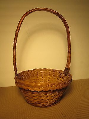 Wicker Basket W/handle Woven 8-1/2  Diameter Round Egg Fruit Flowers Crafts  • 7.71£