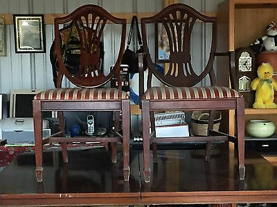 $1500 • Buy Duncan Phyfe Dining Room Table W/ 8 Chairs