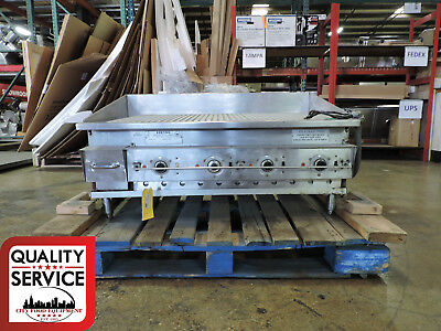 $3900 • Buy Keating 42FLDE Miraclean® Commercial Electric Ribbed Griddle