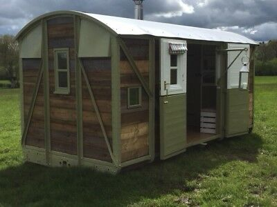 Glamping/ Railway Carriage/ Romantic Hideaway/ Shepherd's Hut/shepherds Hut • 21,500£