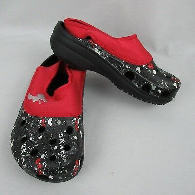 cb536e9060c1 Crocs Disney Mickey Boys 1 W Girls 3 Black Splatter Paint Water Shoes •  26.99