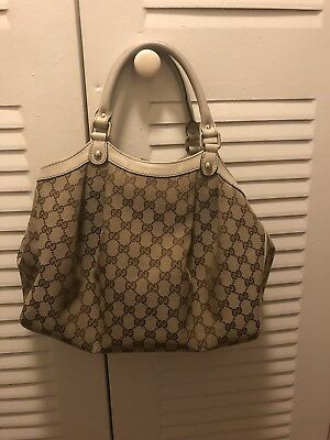 659036ddde5 Authentic Gucci Tote Bag Sukey GG Medium Beige • 405.00