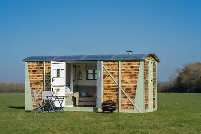 Shepherds Hut Glamping Accommodation Railway Carriage Romantic Hideaway Air B&B • 23,000£