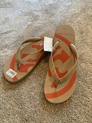 0c543ce09333 TORY BURCH PRINTED CARVED WEDGE FLIP-FLOP Tory Logo SIZE 8 NWT • 59.99