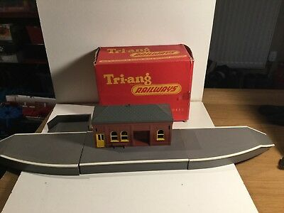 £19.99 • Buy Triang Railways R80 Complete Station Set Boxed