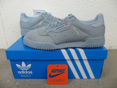more photos 5ba25 591d6 Adidas Yeezy Powerphase Calabasas Grey DS T.36 (4US) Neuf 100% Authentique
