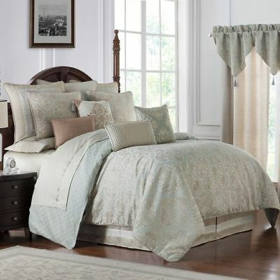 $ CDN240.54 • Buy NEW Waterford Gwyneth Queen Reversible Comforter Set In Pale Blue
