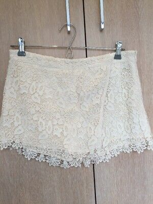 Zara Cream Lace Shorts Size Medium M  • 25£