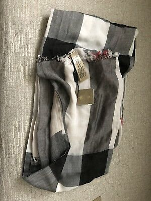 $275 • Buy 100% Authentic NWT Burberry Giant Check Gauze Scarf.