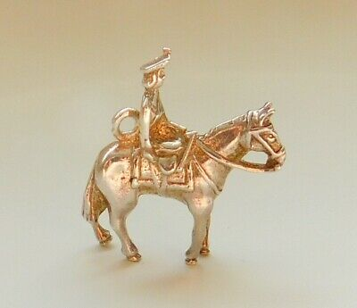 A Vintage Silver Soldier On Horse Back Charm • 5£